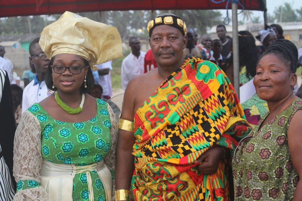 ellen-and-a-chief-of-saltpond-at-the-odamebea-festival