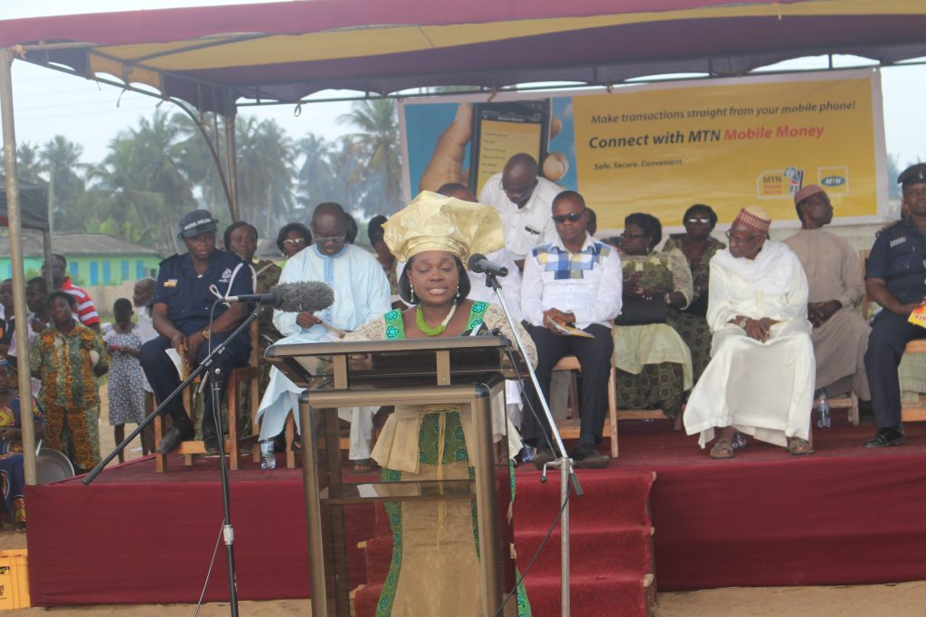 ellen-delivering-a-speech-at-the-odamebea-festival-in-saltpond