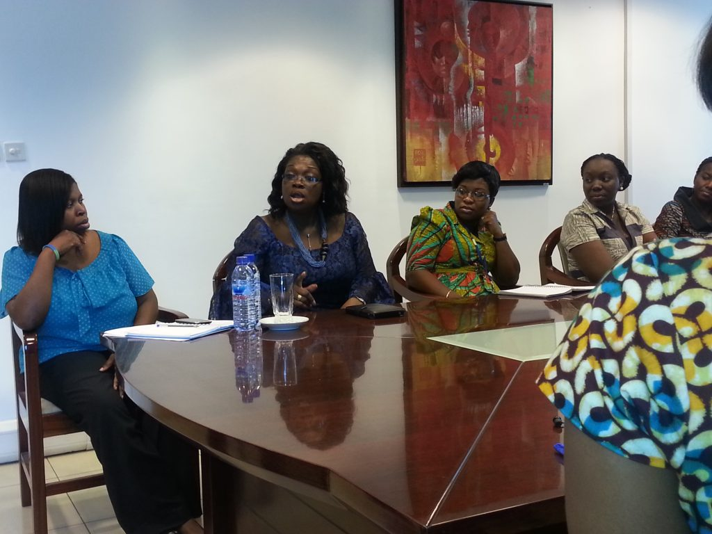 ellen-in-a-discussion-with-some-participants-at-the-standard-chartered-international-womens-day-2