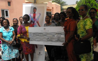 ellen-vlisco-ambassador-making-a-donation-to-the-obatanpa-hospital-as-part-of-vliscos-corporate-social-responsibility